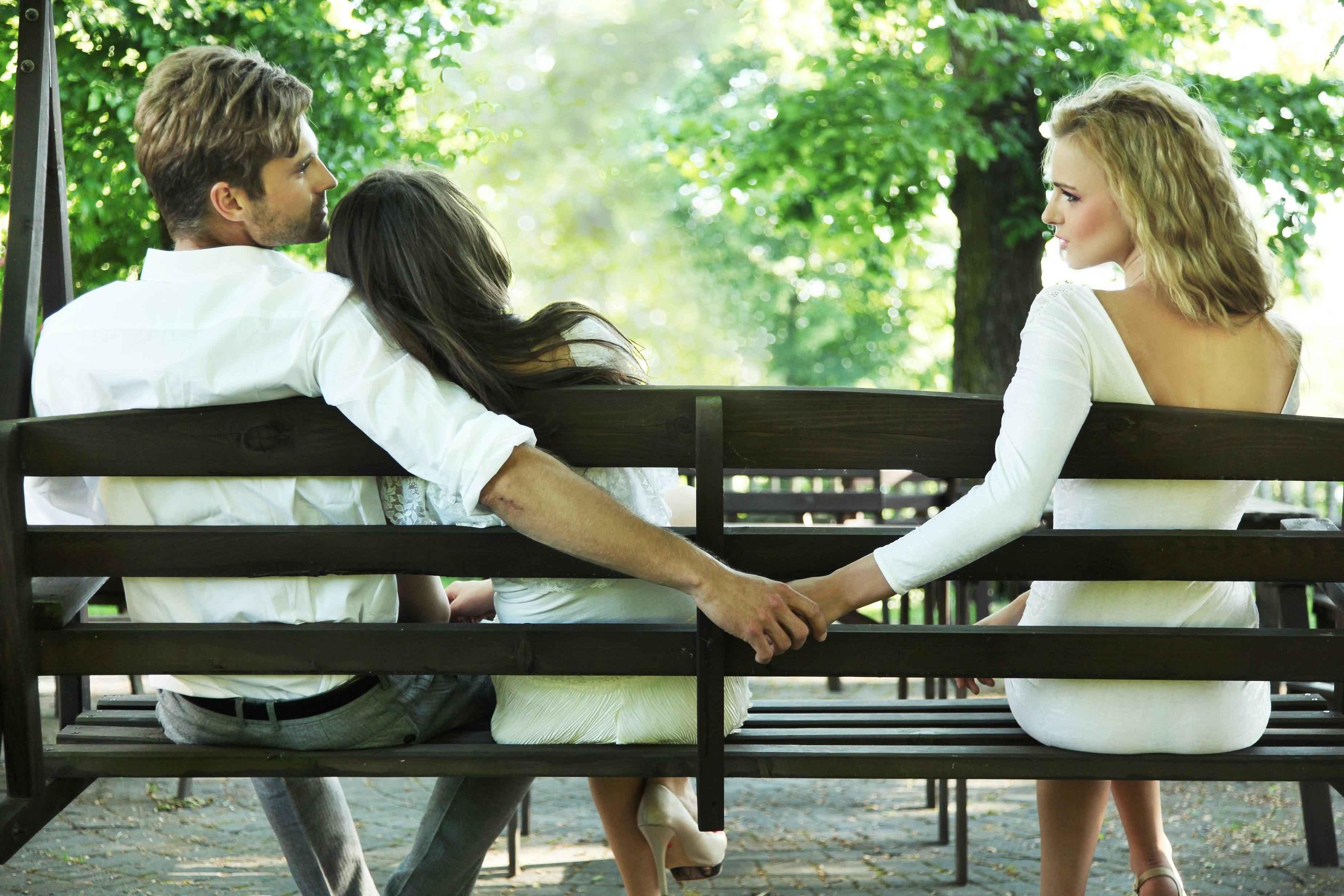 L'adulterio in casa costituisce reato